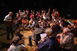 L' Orchestre à cordes des Ateliers Musicaux Nicolas Verdon, en concert le Dimanche 12 Mars 2006 au Centre Culturel de Loudun.