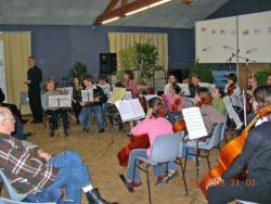 L' Orchestre à cordes des Ateliers Musicaux Nicolas Verdon, en concert le Dimanche 03 Juin 2007, dans la Salle d'Armes du Chateau de Oiron dans les deux Sèvres, à 15 km de Thouars, à 10 km de Loudun, à 65 km de poitiers, à 40 km de Parthenay, à 20 km d'Airvault, à 40km de Bressuire.